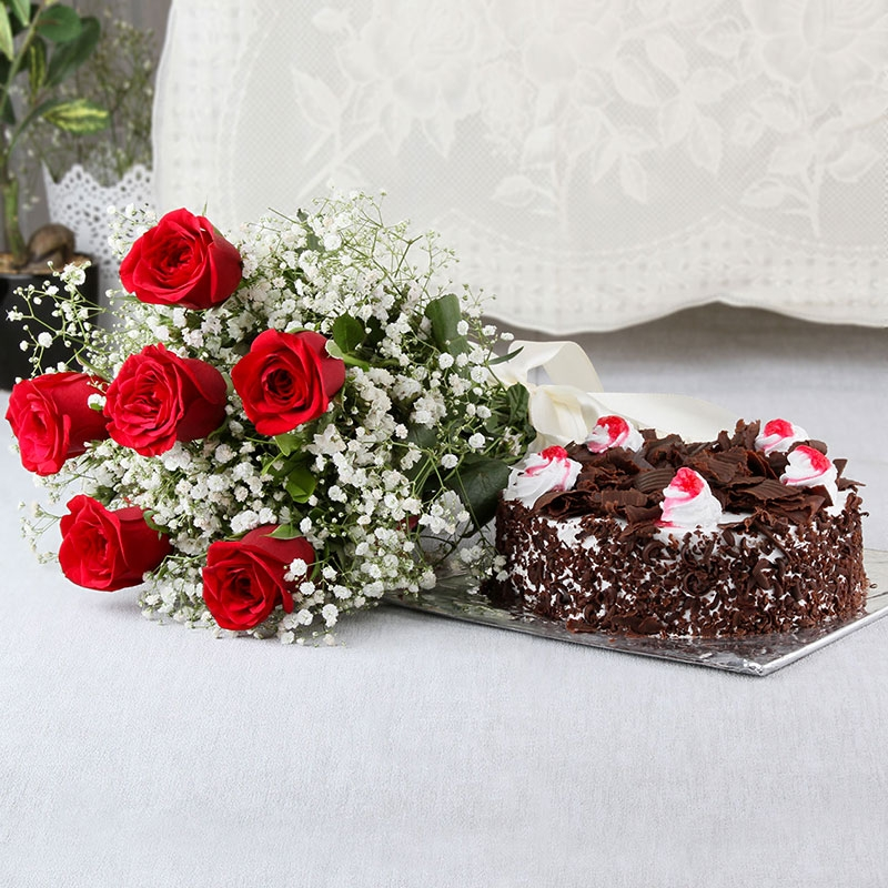 be07c18f15fc5 Surprise your loves one by sending cake and flowers - Smile Delivery ...