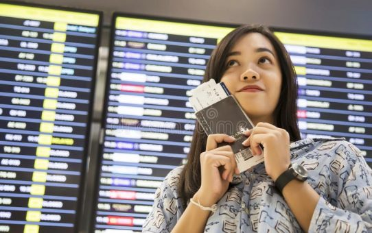 Wondering How To Track Flights? Here Are 8 Easy Ways To Do So!