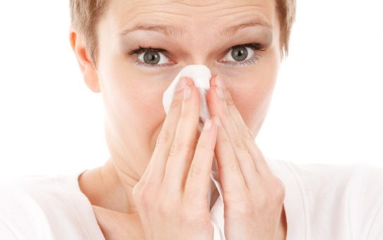 Best 8 Easy Solutions for A Runny Nose