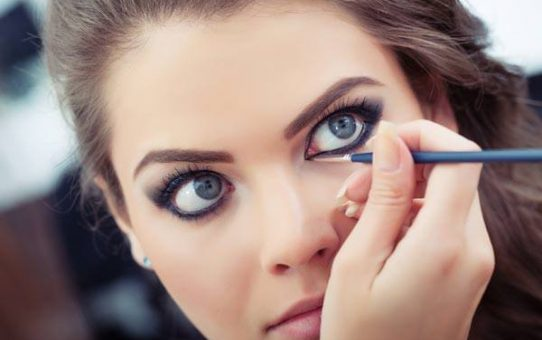 5 Makeup Hacks Everyone Should Know