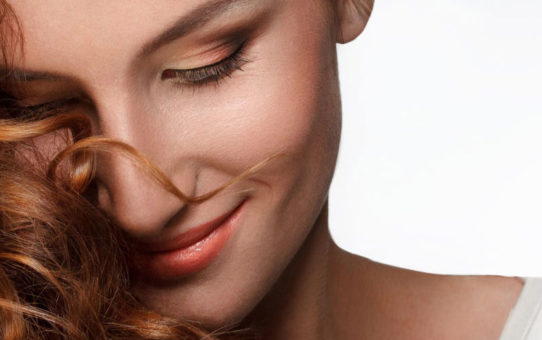How To Get Smooth Silky Hair Through Natural Hair Serum?