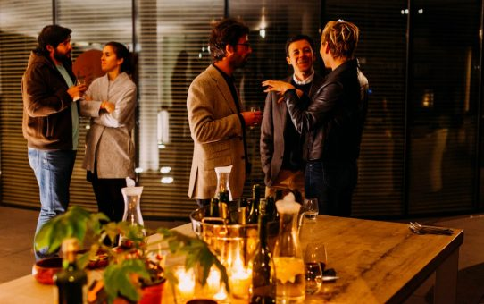 How To Throw A Stress-Free Housewarming Party