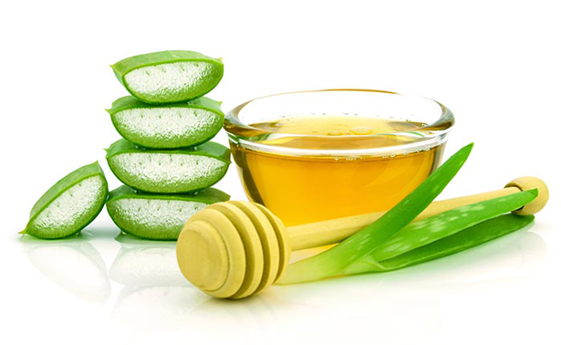 Aloe Vera and Honey for soften hairs