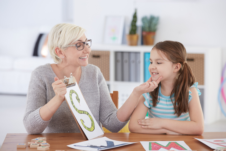 Cluttering therapy for speech disorder in children